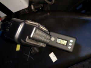 バッテリーテンダー電圧チェッカー